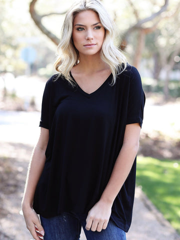 Black Short Sleeve V-Neck Piko