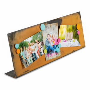 Wide Magnetic Frame – No more bulky traditional frame to display several pictures, this magnetic frame lets you freely collage your favorite handful of photos main view