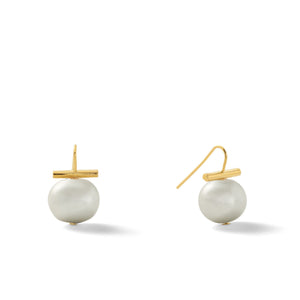 Classic Medium Pebble Pearl Earrings in Soft Grey – Catherine Canino's most universal size and it's Catherine's personal fave, this one is a classic sweet grey color