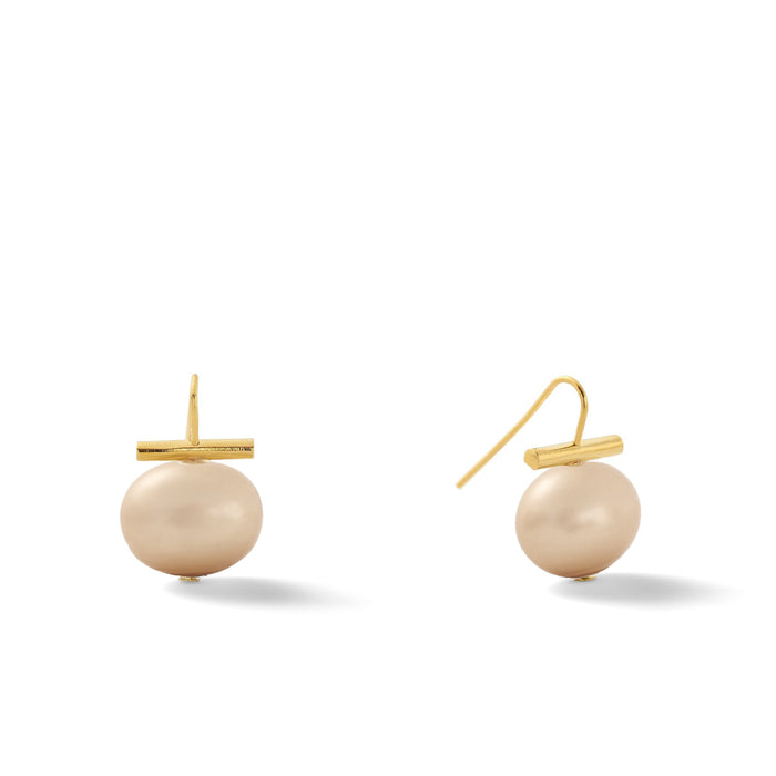 Classic Medium Pebble Pearl Earrings in Cafe Au Lait