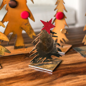 Collectible Tree Sculpture – This cute little pine tree looks best paired up with other tree sculptures or other treasures you already have at home, especially around the holidays displayed with magnets and other sculptures