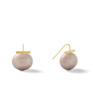 Classic Large Pebble Pearl Earrings in Mauve – Catherine Canino's most popular design is a classic piece for your wardrobe in a lovely pale purple/pink color