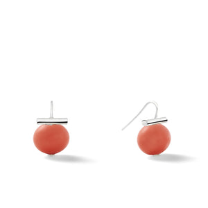 Sterling Medium Pebble Pearl Earrings in Salmon Coral – Catherine Canino's most universal size and it's Catherine's personal fave, shown here in a great red/orange tone