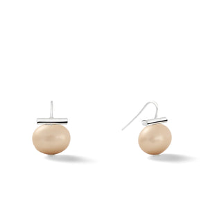 Sterling Medium Pebble Pearl Earrings in Cafe Au Lait – Catherine Canino's most universal size and it's Catherine's personal fave, shown here in a lovely light brown hue