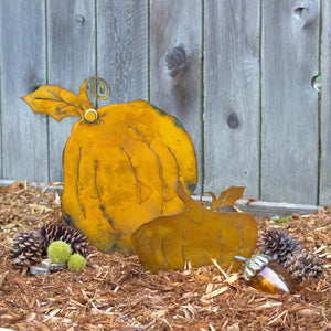 Brady Pumpkin Sculpture – Short and plump pumpkin sculpture is the perfect versatile fall decoration that can be used all season long and especially for Halloween and Thanksgiving displayed outdoors