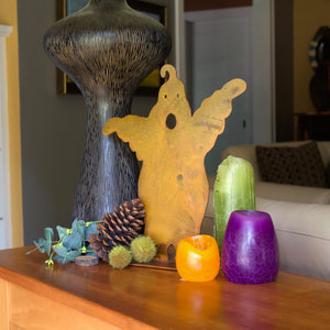 Ghost Sculpture – This scary cute ghost is just the thing you need to spice up your Halloween decorations main view