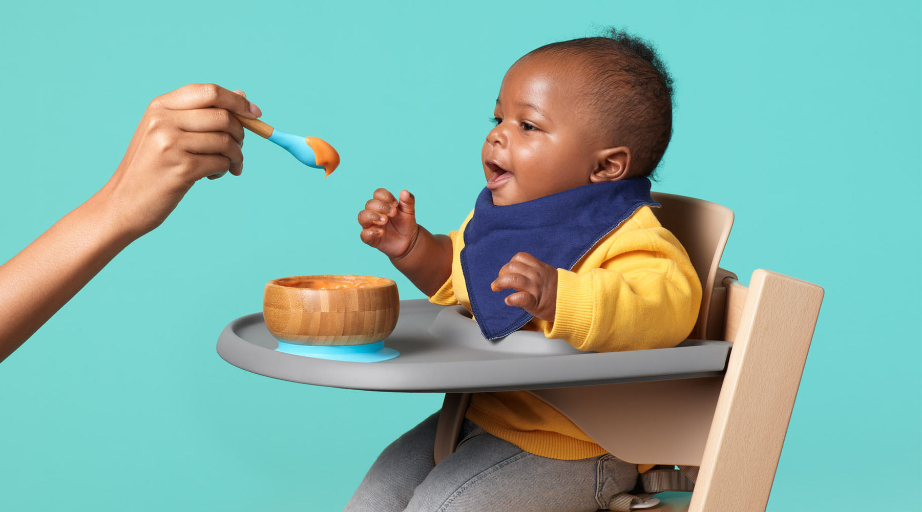 Feeding baby diverse foods