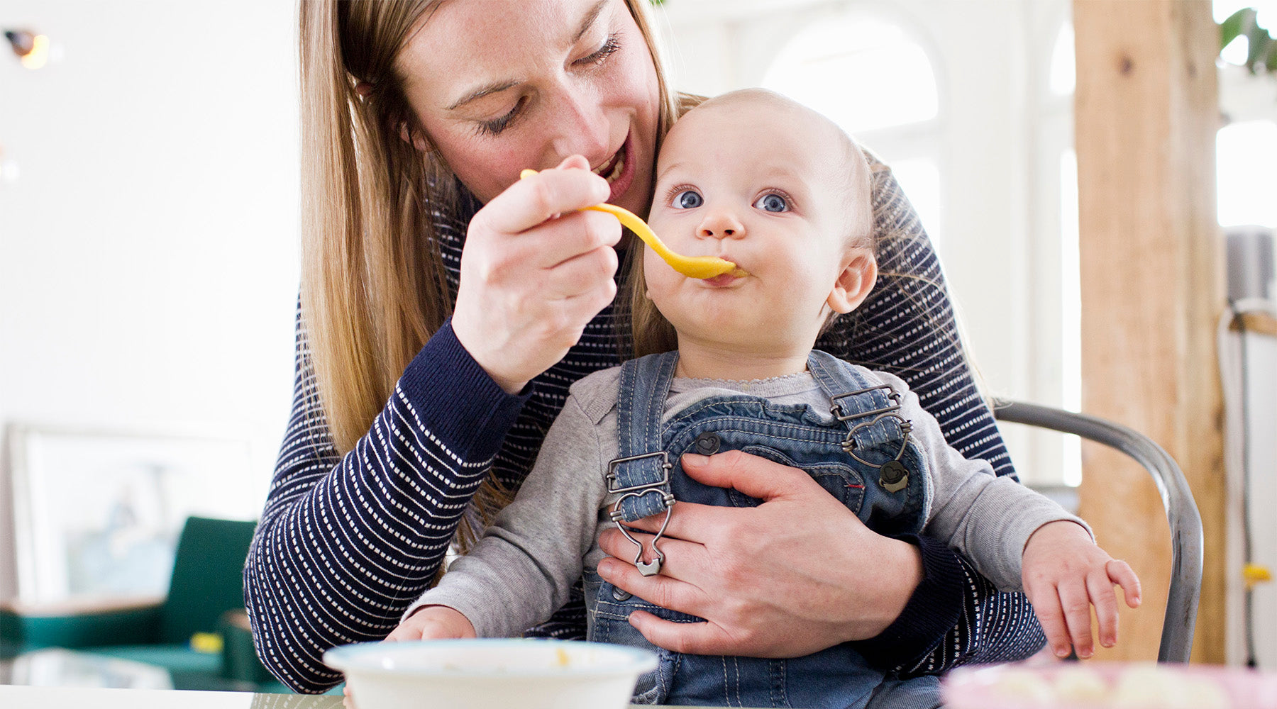 Feeding baby solid foods