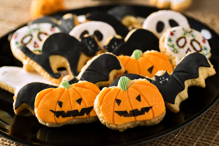 Top 11 Healthy Homemade Halloween Snacks (Kid and Adult Friendly)