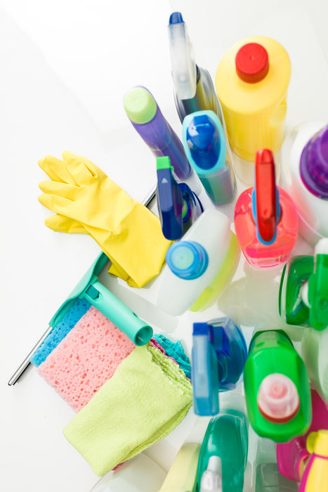 3 Harmful Toxins Lurking in Your Cleaning Products