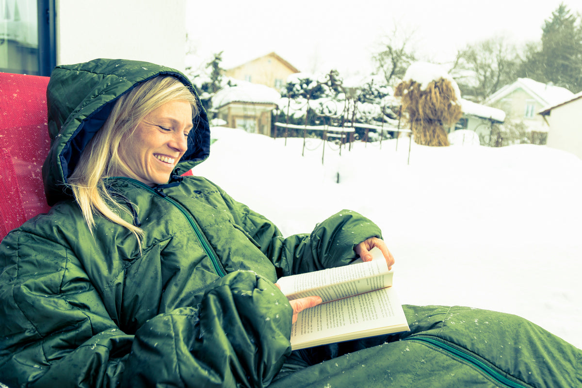 CozyBag in rain and snow