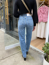 Load image into Gallery viewer, 90's High Rise Pinch Waist Jean in Lineup