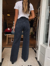 Load image into Gallery viewer, Flavie Trouser Jean in Fade to Black