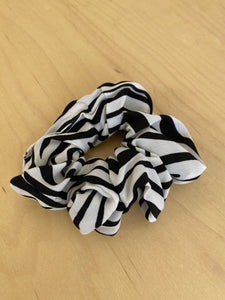 Scrunchie in Zebra
