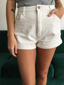 Dusters Short in Off White Cord