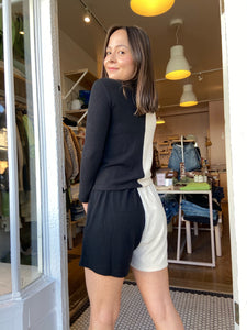Duo Sweater Henley Short in Creme/Black