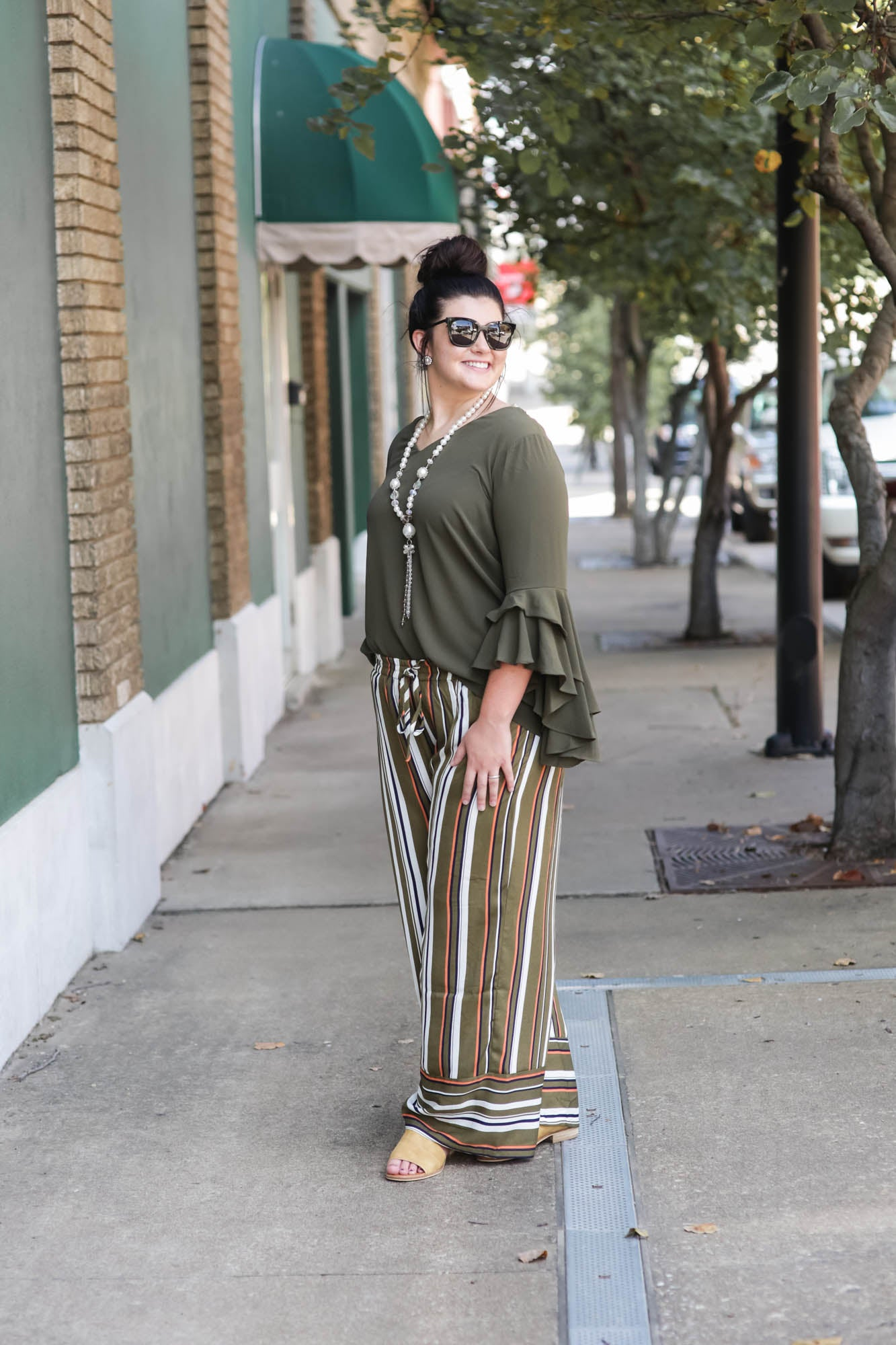 The Noonie Trouser Olive Mix