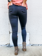 The Macy Motto Jegging - Black