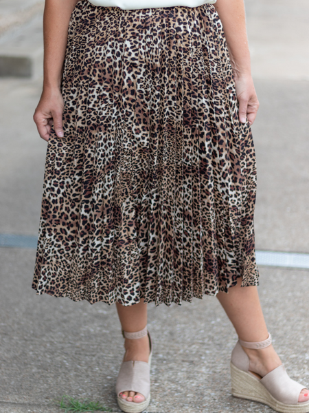 Upscale Class Pleated Skirt in Leopard