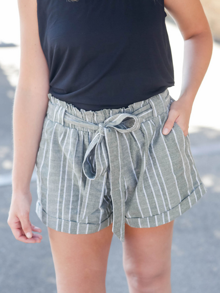 The Lana Linen Shorts in Olive