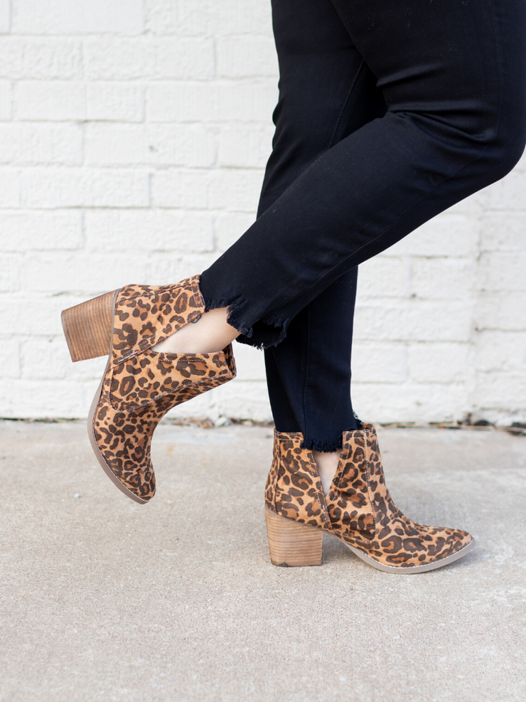 The Tarim Booties in Leopard