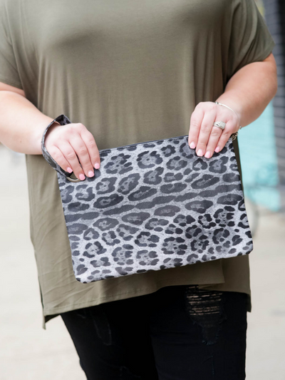 The Madison Clutch-Grey Leopard