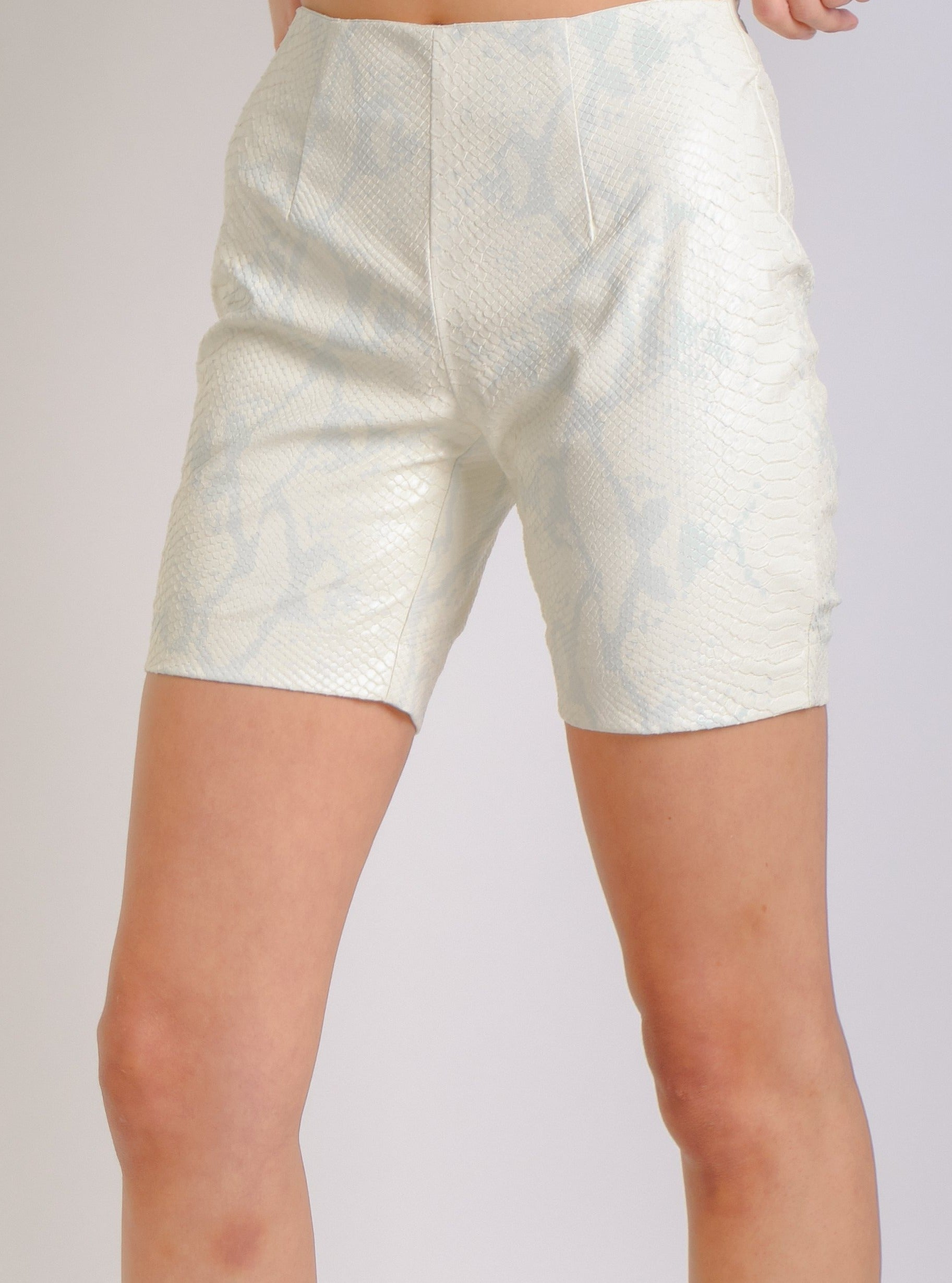 PHTHON DETAIL SHORTS