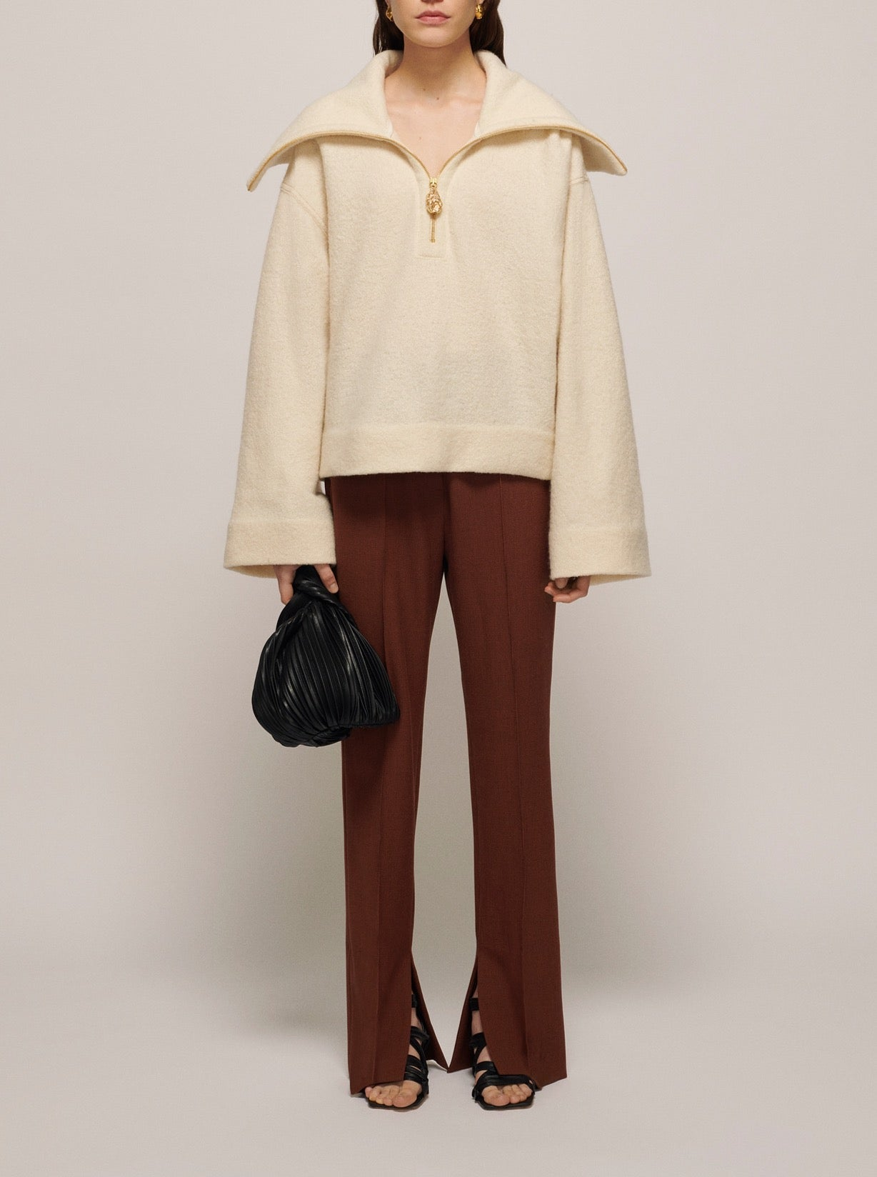 CREME EVIRA CROPPED SWEATER