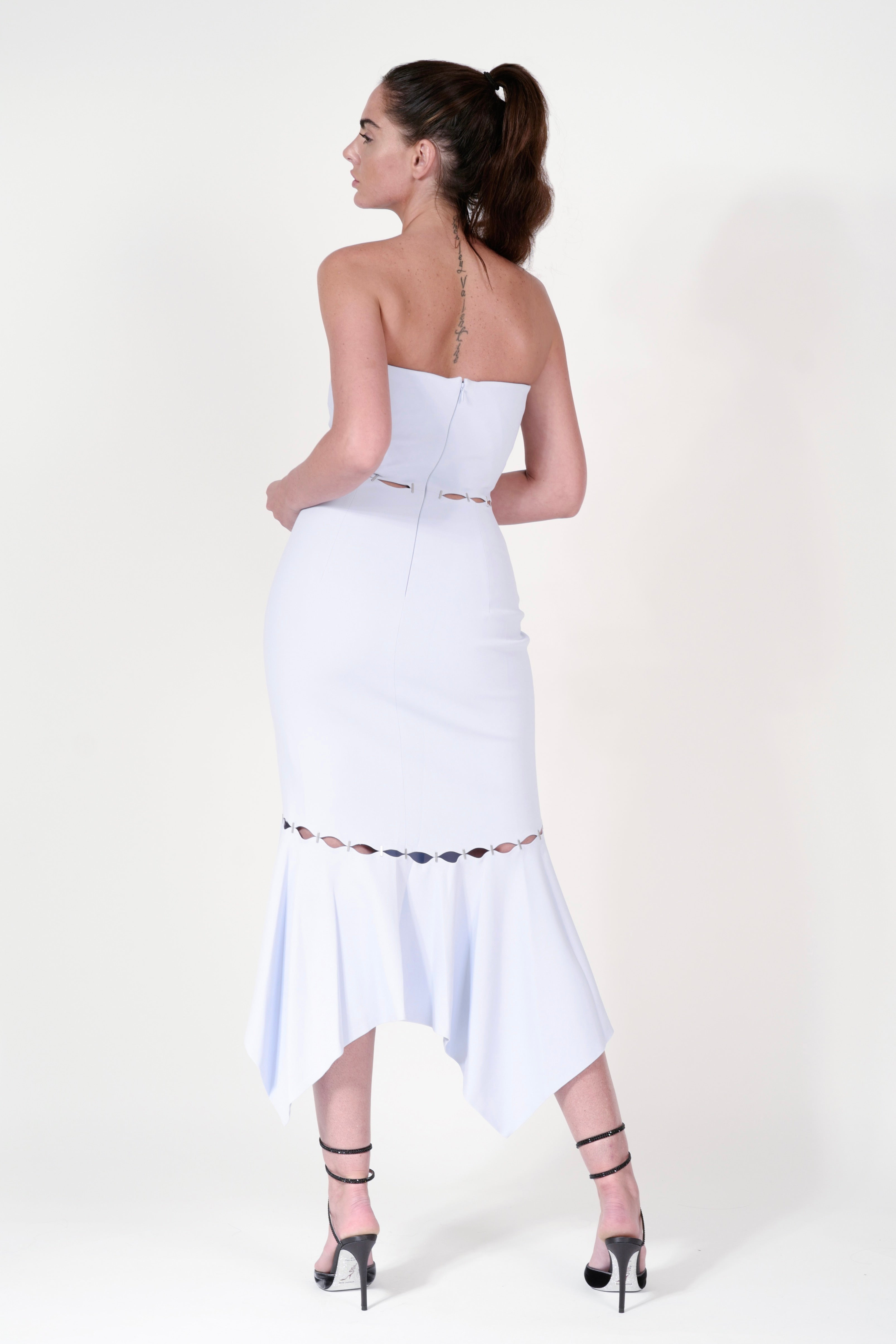 STAPLED CREPE STRAPLESS SIDE SLIT DRESS