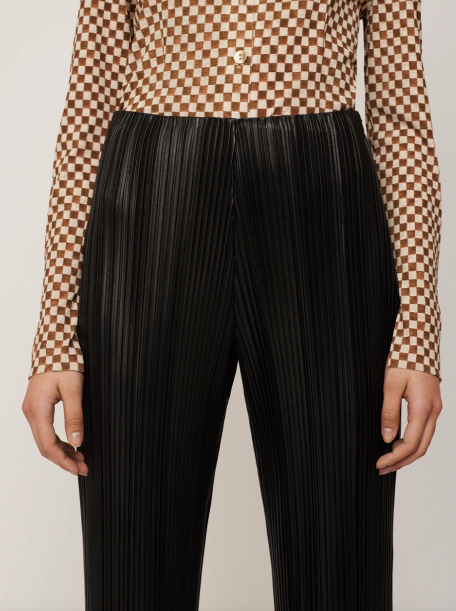BLACK CHAR PLEATED PANTS