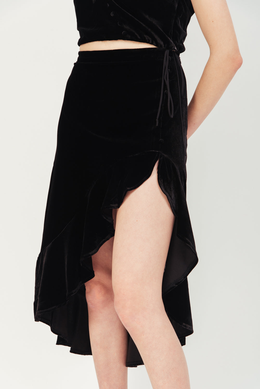 BLACK VIVA HIGH LOW SKIRT