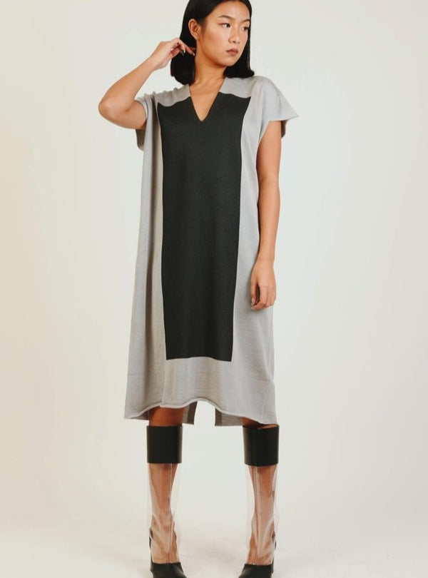 GREY COLOUR BLOCK KNIT DRESS
