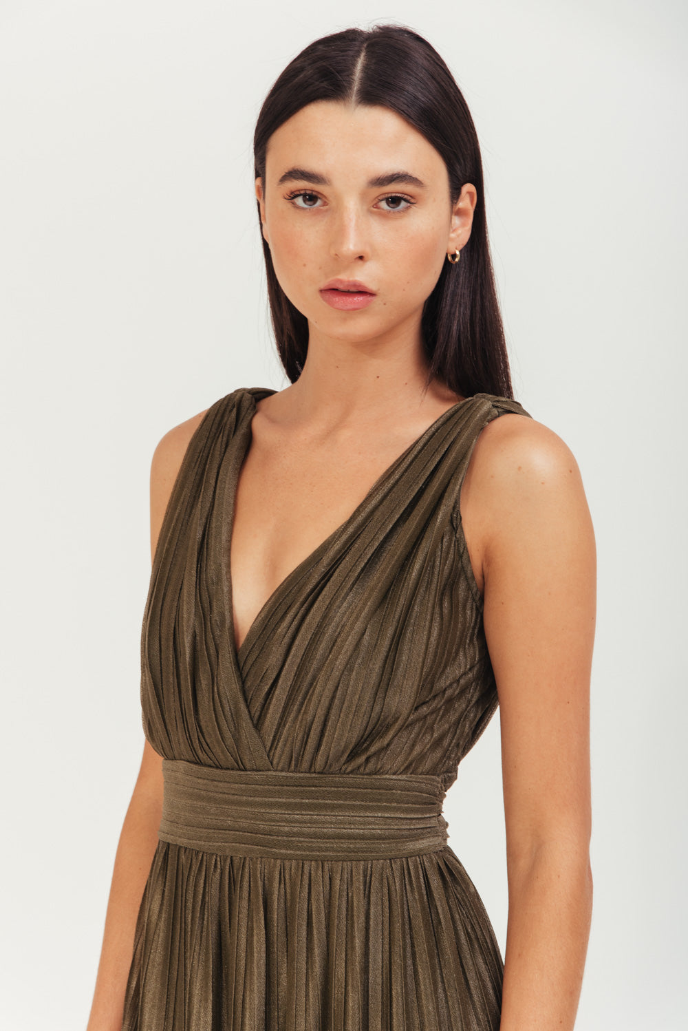 MAXI PLEATED DRESS WITH V NECK