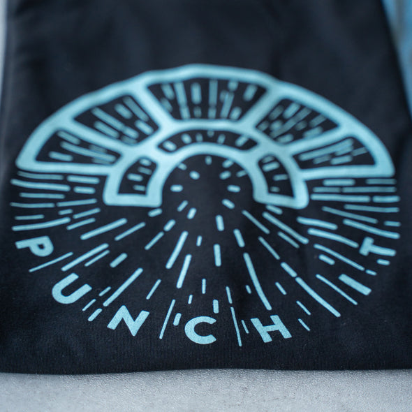 PUNCH IT | Tee | Black