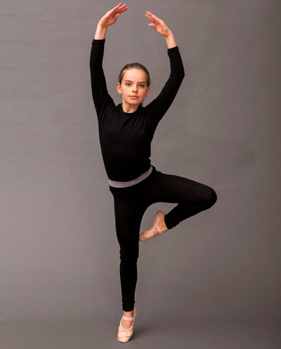 ballerina wearing organic merino top and leggings