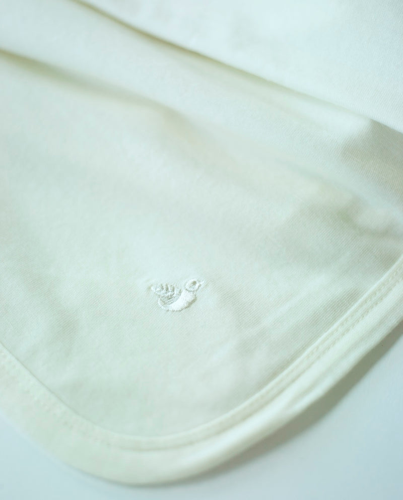 swaddling and wrap blanket for babies and newborn in organic merino