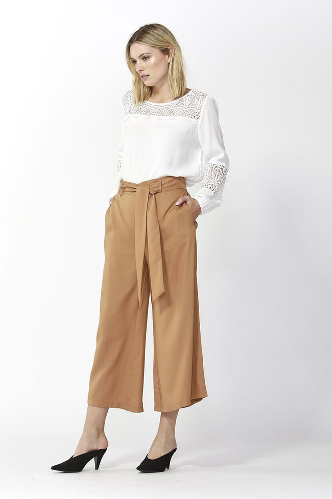 San Marino Cropped Pants in Amber
