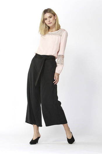 San Marino Cropped Pants in Black