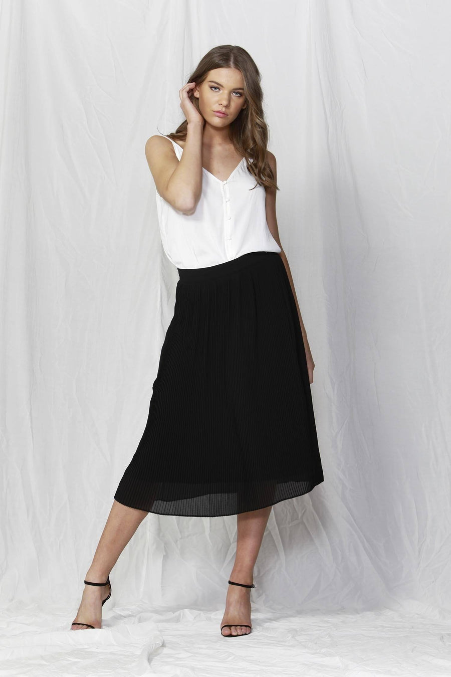 Lille Pleated Skirt in Black