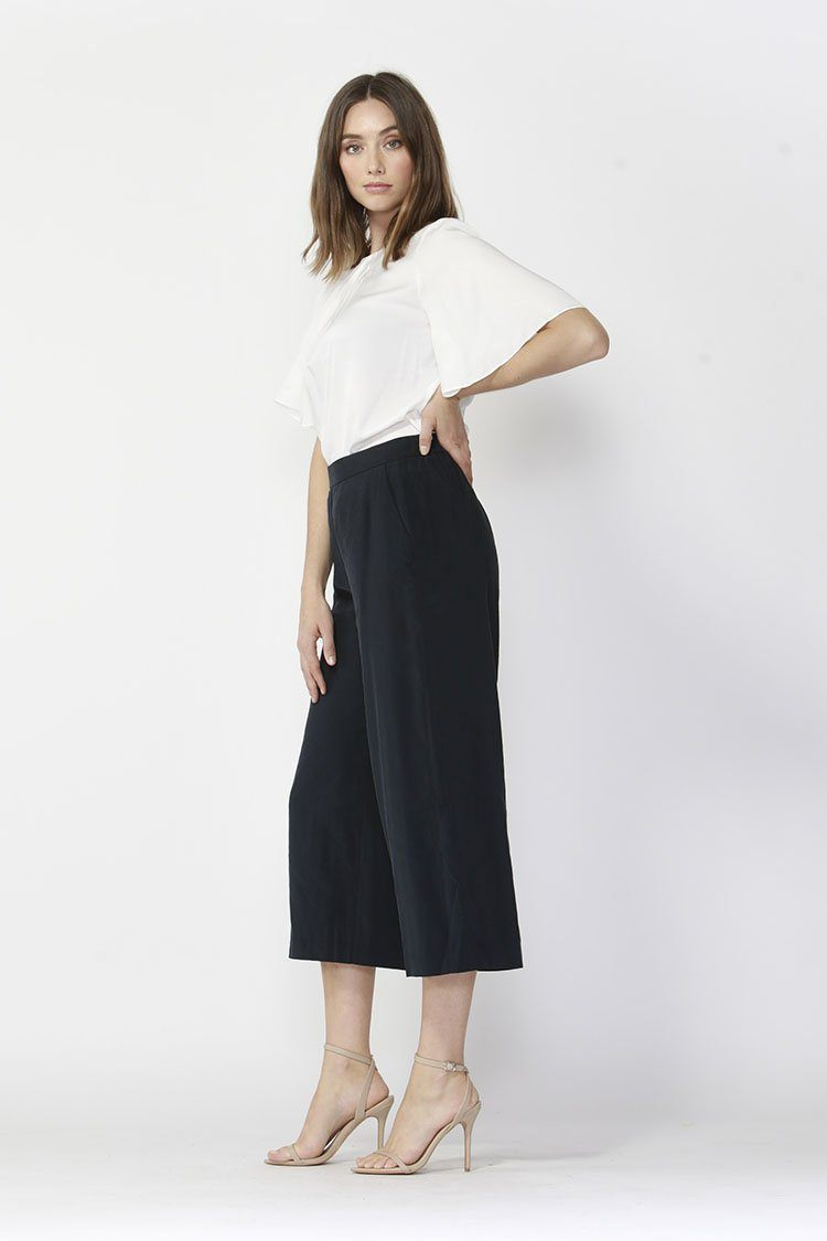 Eclipse Wide Leg Cropped Pants in Navy