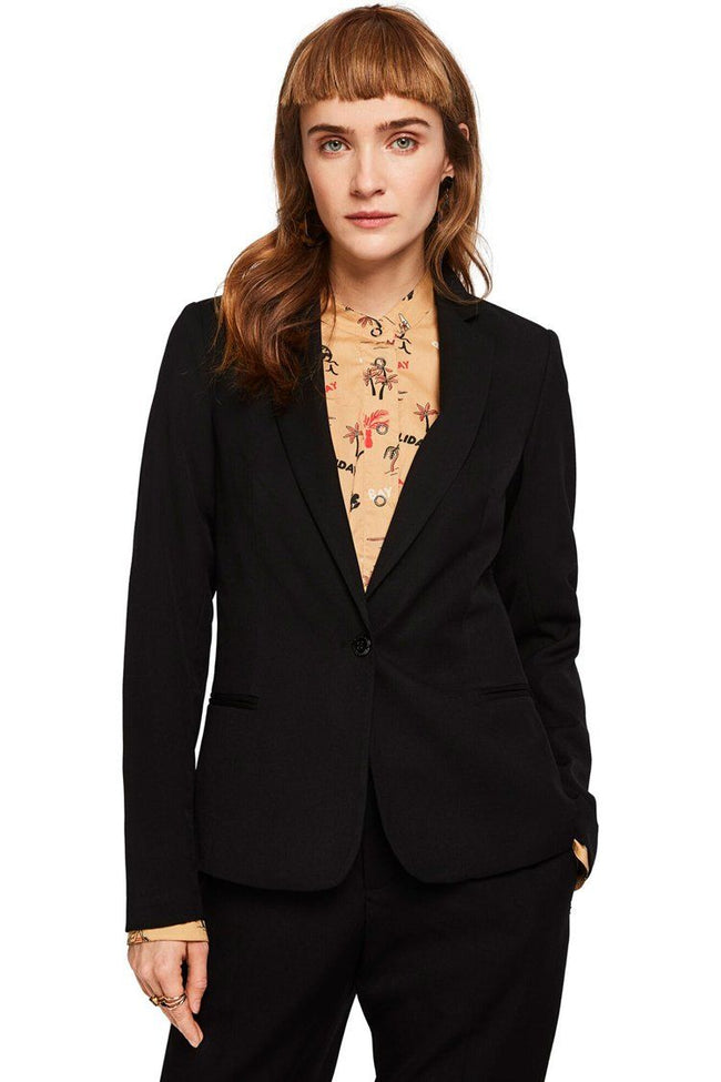 Classic Tailored Blazer in Black