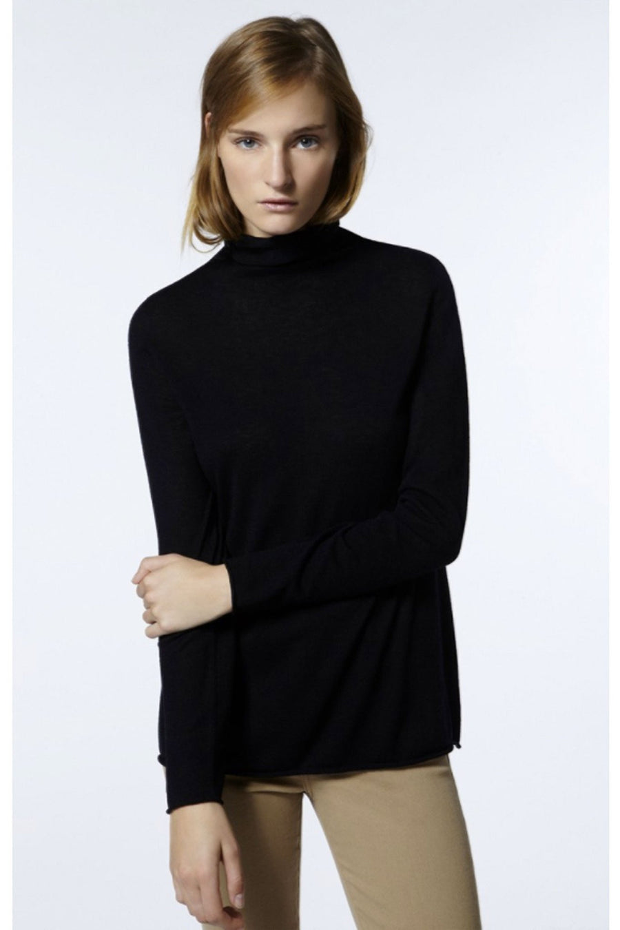 blossom-roll-neck-in-black-by-american-vintage