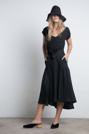 Leaf Linen Skirt in Black