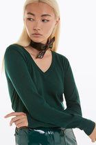 V-Neck Pullover in Green