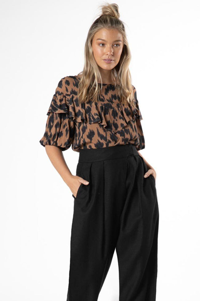 Sylvi Puff Top in Amber Animal