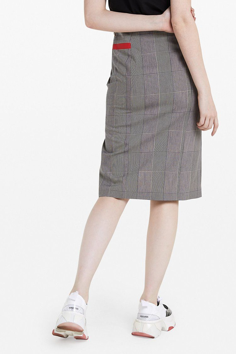 Skirt in Moon Check