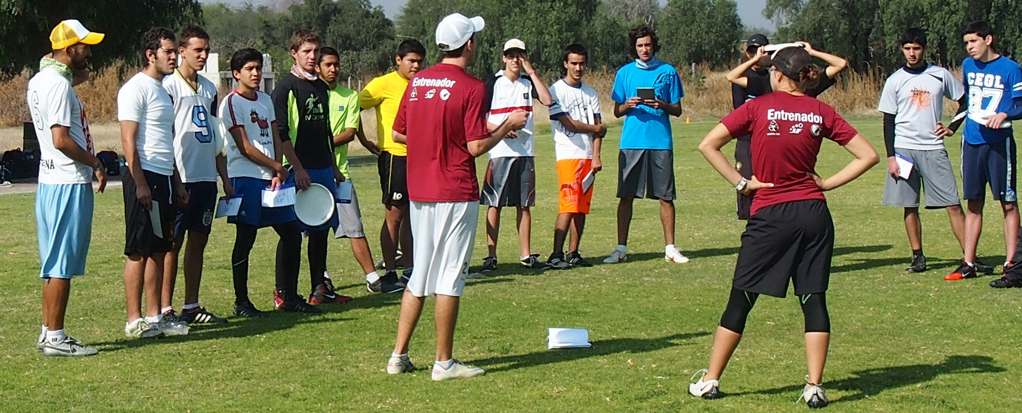 Titcomb running an ultimate frisbee clinic in Mexico