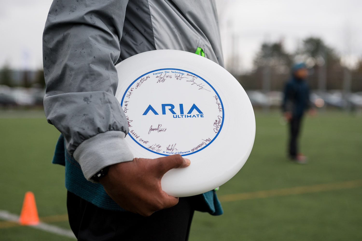 ARIA Ultimate disc autographed by professional ultimate players