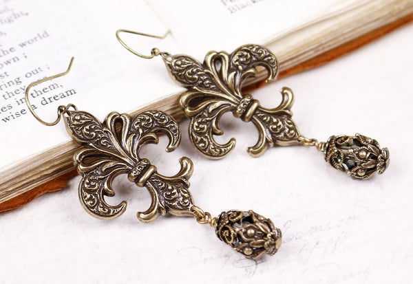 Fleur Earrings - Black Diamond - Antiqued Brass - Rabbitwood & Reason