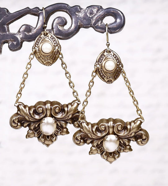 Pienza Chandelier Earrings - Cream Pearl - Antiqued Brass - Rabbitwood & Reason